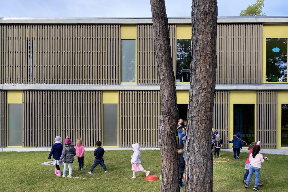 Haus für Kinder am Kiefernwald